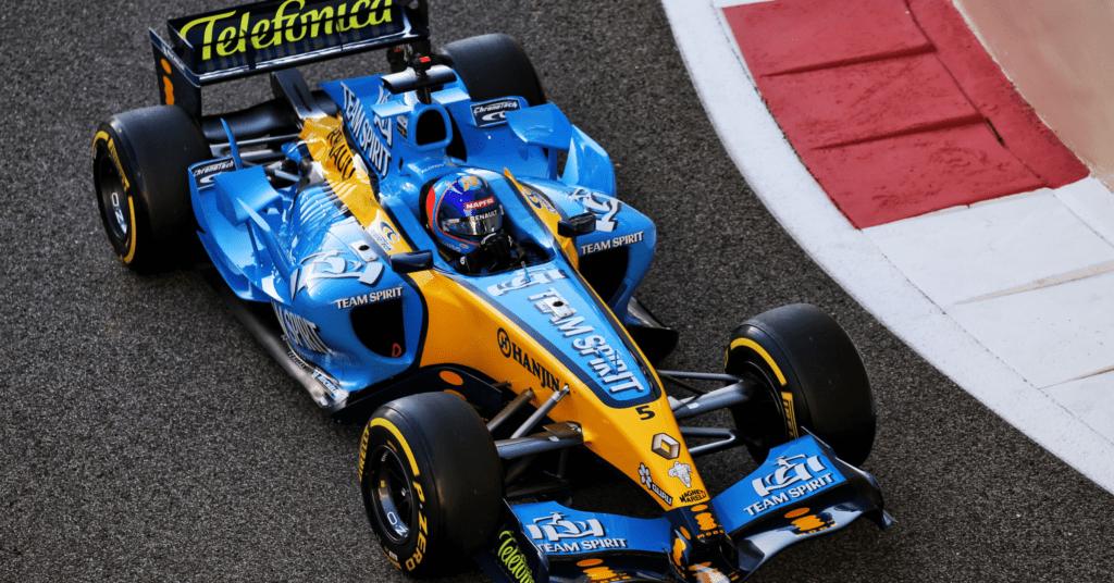 Fernando Alonso testing the R25 at the 2020 Abu Dhabi Grand Prix